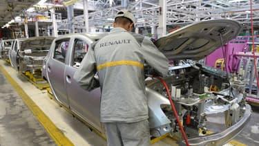 En 2015, les ventes de voitures ont grimpé de 6,8%. Un bond qui profite aux constructeurs français qui occupent, une fois encore, les meilleures ventes avec Renault et Peugeot en tête.