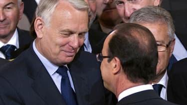 François Hollande et Jean-Marc Ayrault ont tenu des propos différents sur le calendrier fiscal.