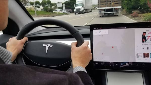 L'intérieur du prototype de la Model 3 pourrait être conservé dans la version définitive.