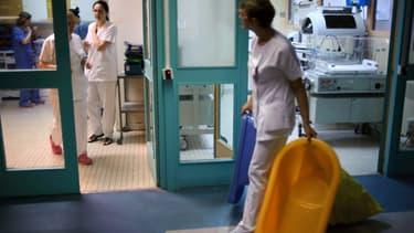 La masse salariale des hôpitaux doit être réduite de 860 millions en 3 ans.