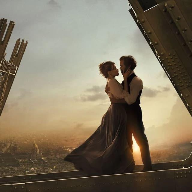 """Détail de l'affiche du film """"Eiffel"""" de Martin Bourboulon"""
