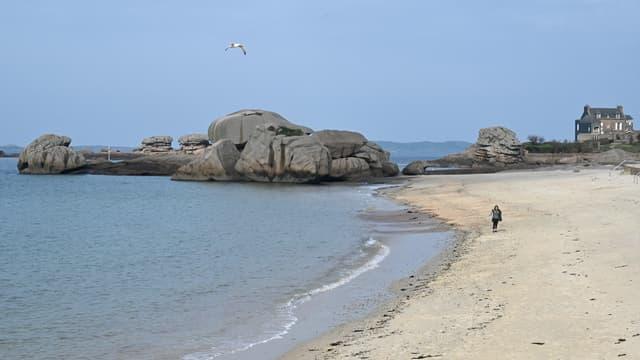 La plage de Trégastel, le 9 mars 2021