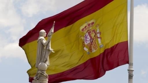 Même si l'Espagne est toujours en récession, celle-ci marque le pas par rapport aux trimestres précédents.