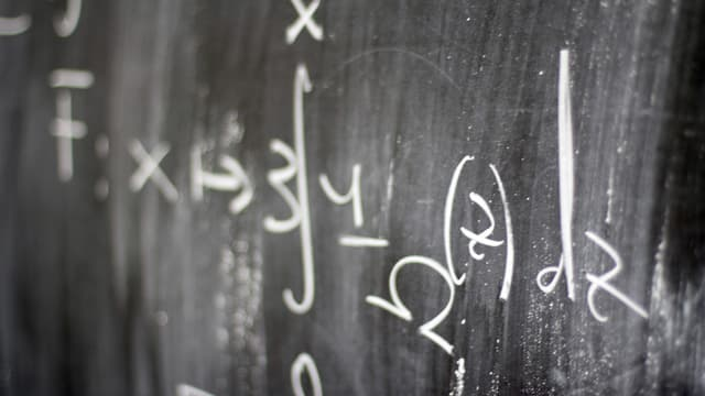 Sur YouTube, de nombreux tuto et cours permettent aux élèves de revoir des concepts mathématiques mal compris.