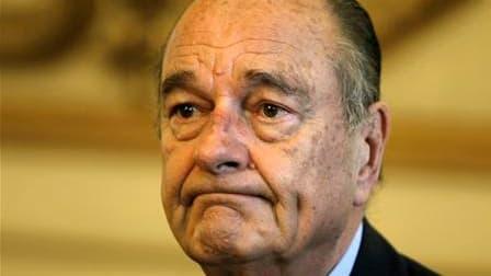 Le procureur de Nanterre (Hauts-de-Seine) Philippe Courroye a demandé un non-lieu au profit de Jacques Chirac dans un des deux dossiers d'emplois présumés fictifs où il est mis en examen. Ce dossier concerne le cas de sept personnes rémunérées par la Vill