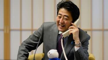 Shinzo Abe est entré en lutte contre la déflation au Japon.