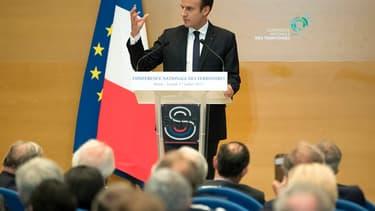 Emmanuel Macron s'est dit favorable à recentraliser le financement du RSA par l'État