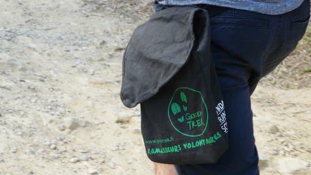 6.000 sacs distribués cette année aux randonneurs sur trois GR pour réduire les déchets