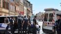 Toulouse, 20 juin 2012: un important dispositif policier s'est déployé aux abords de la banque où se déroule la prise d'otages.