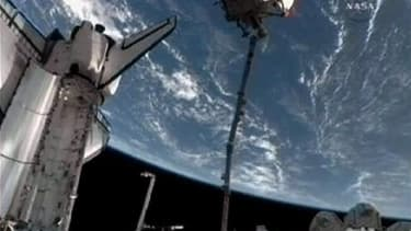"""Le module russe Rasswet (""""aurore"""" en russe). Des astronautes de la Nasa ont attaché mardi ce module russe de recherche et d'arrimage à la Station spatiale internationale (ISS), complétant ainsi le projet de 100 milliards d'euros auquel participent seize p"""