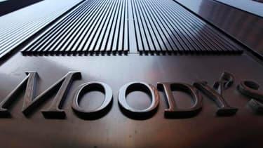 Moody's dégrade la note de la France de AAA à AA1