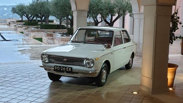 La toute première Corolla fût lancée en 1966. Toyota en est aujourd'hui à sa douzième génération.