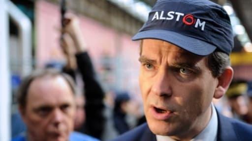 Arnaud Montebourg, le ministre de l'Economie, pousse Bouygues à vendre au prix du marché