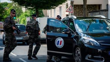 10.000 militaires sont actuellement mobilisés dans le cadre de l'opération Sentinelle
