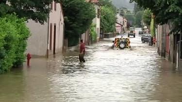 La Haute-Garonne et les Hautes-Pyrénées font face à des crues exceptionnelles qui ont causé d'importants dégâts matériels.
