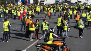 Blocage des gilets jaunes sur l'autoroute A9 à Le Boulou (Pyrénées Orientales), le 22 décembre 2018.