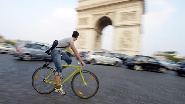 Le vélo est l'une des armes antipollution promues par le plan de la mairie de Paris. (Illustration)