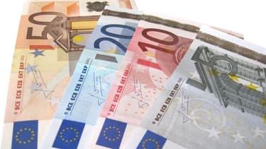 Chaque individu gagnerait 500 euros par mois