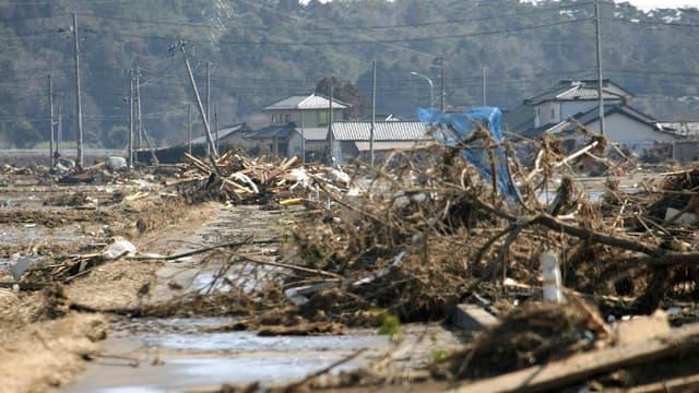 Cinq ans après la catastrophe, les stigmates sont encore bien visibles à proximité de la centrale de Fukushima.