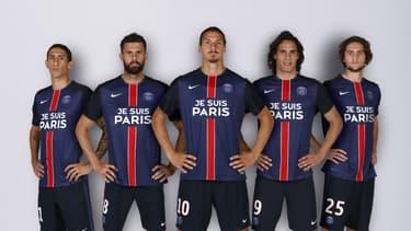 """Le maillot """"Je suis Paris"""", porté pour les deux prochains matches, pourrait être commercialisé"""