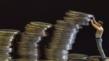 La dette française a dépassé, au deuxième trimestre 2014, les 2.000 milliards d'euros.