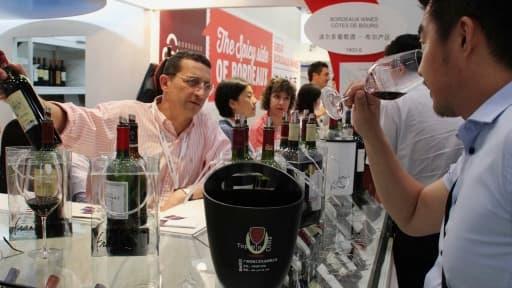 Les exportations de vins européens sont menacées par la Chine. Une surtaxe pourrait avoir des conséquences importantes pour les vignobles français.