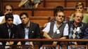 Des couples d'hommes homosexuels observent les débats au Sénat uruguayen