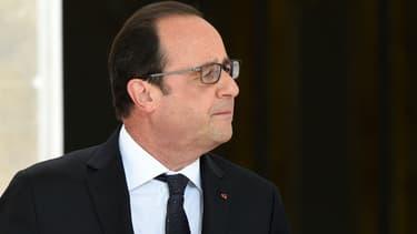 François Hollande se dit prêt à discuter d'un nouveau geste fiscal envers les ménages, mais refuse de toucher aux grandes lignes du pacte de responsabilité.