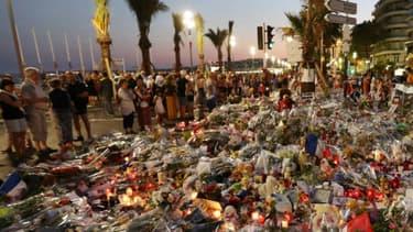 Les hommages aux 86 victimes et blessés s'étaient multiplié à Nice et dans toute la France - Valery Hache - AFP