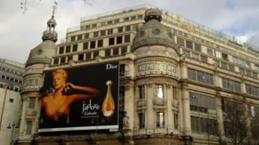 Le Printemps et ses marques de luxe, boulevard Haussman, est l'un des terrains de prédilection des touristes