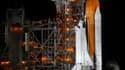 Sur le pas de tir de Cap Canaveral, la navette Atlantis se tient prête pour son ultime mission vers la Station spatiale internationale, prévue ce vendredi et après laquelle les Etats-Unis mettront un terme au programme de navettes spatiales. /Photo prise