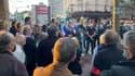 À Cachan, l'opposition de droite et du centre a manifesté son soutien aux forces de l'ordre, en présence de membres du syndicat SGP Police.