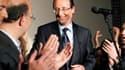 """""""Pas très audacieux, pas très transgressif"""" : la majorité estime que François Hollande, choisi pour porter les couleurs du Parti socialiste en 2012, sera """"un bon adversaire"""" pour Nicolas Sarkozy à l'élection présidentielle. /Photo prise le 16 octobre 2011"""
