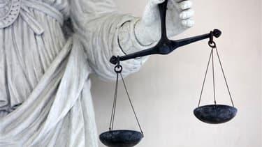 La procureure adjointe du tribunal de grande instance de Nanterre (Hauts-de-Seine) a été mise en examen mardi dans l'enquête visant deux journalistes du Monde qui travaillaient sur le dossier Liliane Bettencourt, l'héritière du groupe L'Oréal. /Photo d'ar