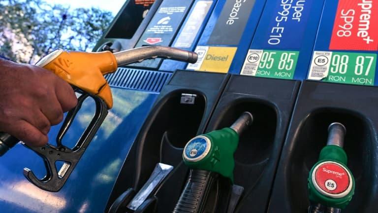 Hausse des prix des carburants: comment trouver la station la moins chère