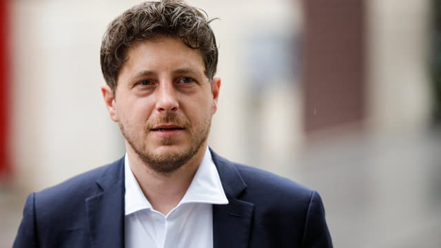 Julien Bayou juste après avoir voté au second tour des élections régionales à Paris, dimanche 27 juin 2021