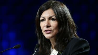La maire de Paris veut mettre en place de nouvelles aides en faveur des véhicules propres.