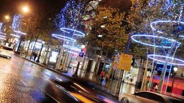 L'illumination des Champs-Elysées représente un budget d'environ un million d'euros.