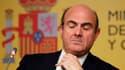 Le ministre de l'Economie espagnol, Luis de Guindos. Les ministres des Finances de la zone euro ont convenu samedi de prêter jusqu'à 100 milliards d'euros à l'Espagne afin de lui permettre de renflouer ses banques en difficulté, Madrid s'engageant à préci
