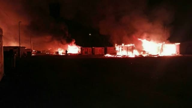 L'incendie du camp de Grande-Synthe.