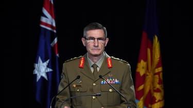 Le chef des Forces de défense australiennes (ADF), le général Angus Campbell, s'exprime sur les conclusions de l'enquête menée pendant des années sur l'attitude de l'armée en Afghanistan, à Canberra le 19 novembre 2020.