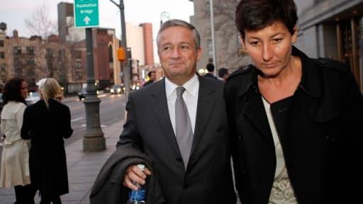 Jean-Marie Messier et sa compagne à New York à l'automne 2009 durant les audiences de la 'class action'