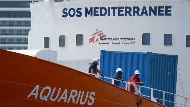 Rejeté par l'Italie, et dans un premier temps par Malte, l'Aquarius avait finalement été autorisé mardi à accoster à La Valette, à la suite d'un accord avec cinq autres pays de l'Union européenne.