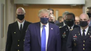 Coronavirus: la première apparition publique de Donald Trump portant un masque