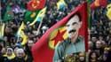 Le drapeau du PKK et le visage de son leader historique - emprisonné depuis 1999 - Abdullah Ocalan