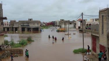 Les images d'importantes inondations à Dakar au Sénégal après des pluies exceptionnelles