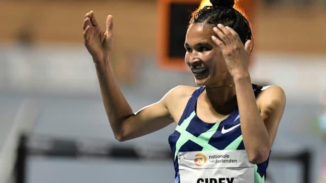 La joie de l'Ethiopienne Letesenbet Gidey, après avoir battu le record du monde du 5000 m, le 7 octobre 2020 à Valence