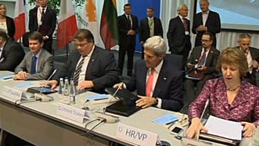 John Kerry, secrétaire d'Etat américain et Catherine Ashton, chef de la diplomatie européenne à Vilnius en Lituanie le 7 septembre 2013.