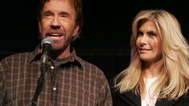 Chuck Norris et sa femme Gena O'Kelley en 2008 à Des Moines aux Etats-Unis