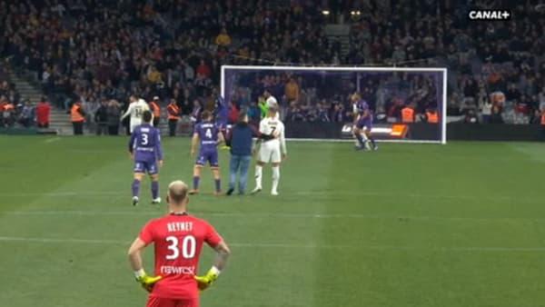 Mbappé accosté en plein match par un spectateur